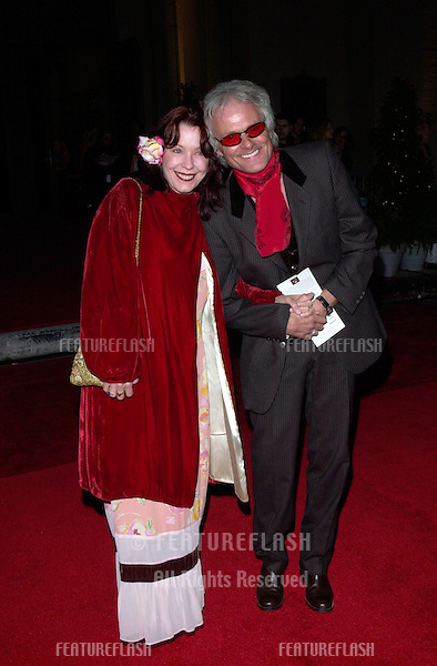 Musician MICHAEL DESBARES & wife at the 2001 Blockbuster Awards in Los Angeles..10APR2001.   © Paul Smith/Featureflash