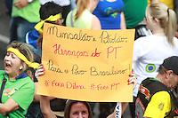 SAO PAULO, SP, 16.08.2015 - PROTESTO-SP - Manifestantes durante ato contra o governo Dilma Rousseff (Partido dos Trabalhadores) na Avenida Paulista em São Paulo, neste domingo, 16. (Foto Amauri Nehn/Brazil Photo Press)