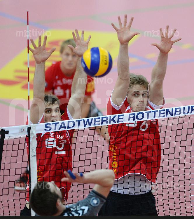 Volleyball 1. Bundesliga  Saison 2015/2016 TV Rottenburg -  Netzhoppers KW Bestensee          24.10.2015 Philipp Jankowski (TV Rottenburg,li) und Friederich Nagel (TV Rottenburg,re) im Block