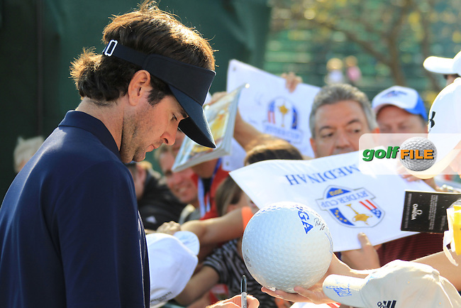 USA Player Bubba Watson (USA) signs autographs during Monday's Practice Day of the 39th Ryder Cup at Medinah Country Club, Chicago, Illinois 25th September 2012 (Photo Eoin Clarke/www.golffile.ie)
