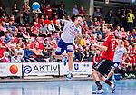 Eskilstuna 2014-10-03 Handboll Elitserien Eskilstuna Guif - Alings&aring;s HK :  <br /> Sk&ouml;vdes Rasmus Wremer tar ett skott mot m&aring;l i matchen mellan Eskilstuna Guif och Sk&ouml;vde <br /> (Foto: Kenta J&ouml;nsson) Nyckelord:  Eskilstuna Guif Sporthallen IFK Sk&ouml;vde HK