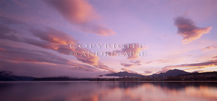 Sunrise over Lake Wanaka. Otago Region. New Zealand.