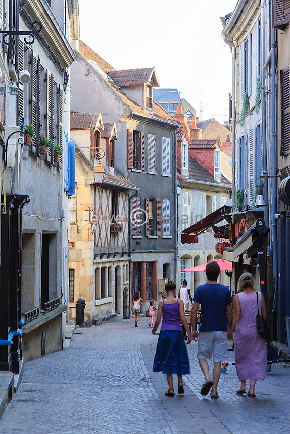 France, Allier (03), Montluçon, la vieille ville, rue Grande // France, Allier, Montlucon, Grand street in the old town