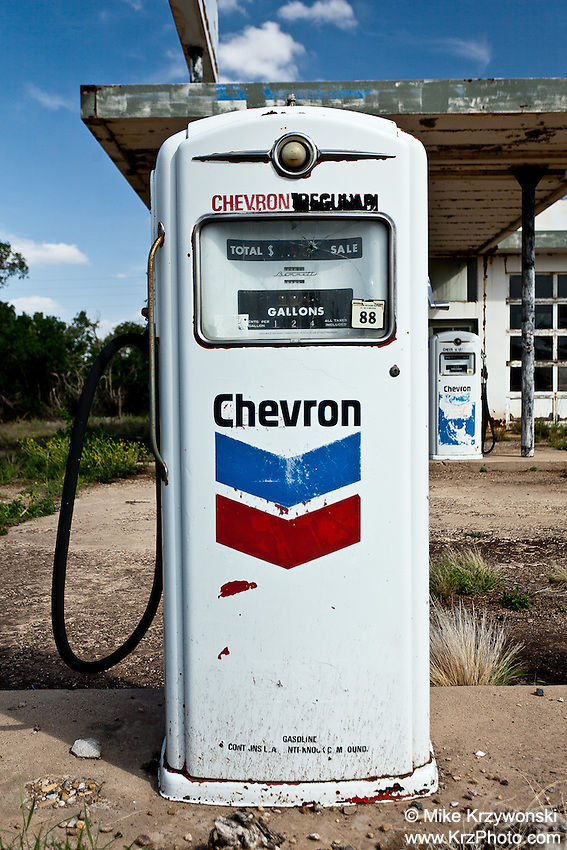 Abandoned Chevron Gas Pump in Nara Visa, NM