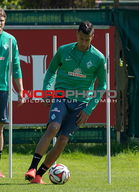 15.05.2015, Trainingsgelaende, Bremen, GER, 1.FBL, Training Werder Bremen, im Bild Davie Selke (Bremen #27)<br /> <br /> Foto &copy; nordphoto / Frisch