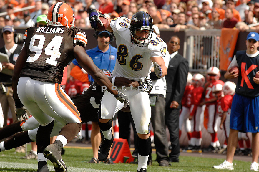 TODD HEAP, of the Baltimore Ravens , in action during the Ravens games against the  Cleveland Browns, in Cleveland, OH on September 30, 2007.  ..The Browns won the game 27-13...COPYRIGHT / SPORTPICS..........