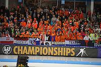 SCHAATSEN: HEERENVEEN: 08-01-2017, IJsstadion Thialf, ISU EC Sprint & Allround, publiek, ©foto Martin de Jong