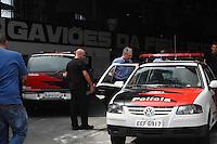 Sao Paulo, SP, 27 DE MARCO DE 2012 -Policia Civil verificam a sede da Gavioes da Fiel retiram computadores na Rua Cristina Thomas.no Bairro do Bom Retiro. (FOTO: ADRIANO LIMA / BRAZIL PHOTO PRESS).