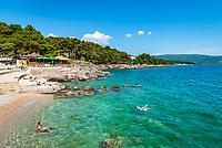 Croatia, Kvarner Gulf, Krk Island, Krk (Town): beach near Porto Pizana | Kroatien, Kvarner Bucht, Insel Krk, Krk (Stadt) : Badebucht beim Porto Pizana
