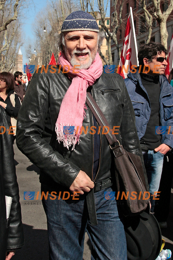 Moni Ovadia.Roma 09/03/2012 Manifestazione della FIOM contro il governo e in difesa dell'Articolo 18..Photo Samantha Zucchi Insidefoto