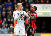 30th September 2017, Vitality Stadium, Bournemouth, England; EPL Premier League football, Bournemouth versus Leicester; Jermain Defoe of Bournemouth clashes with Leicester Goalkeeper Kasper Schmeichel as Schmeichel gathers a back pass