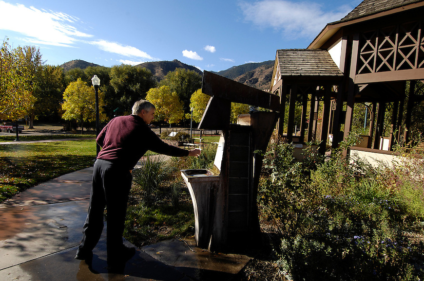 Chris Laidlaw, from San Jose, CA, samples water from the Seven Minute Spring. Michael Brands for The New York Times.