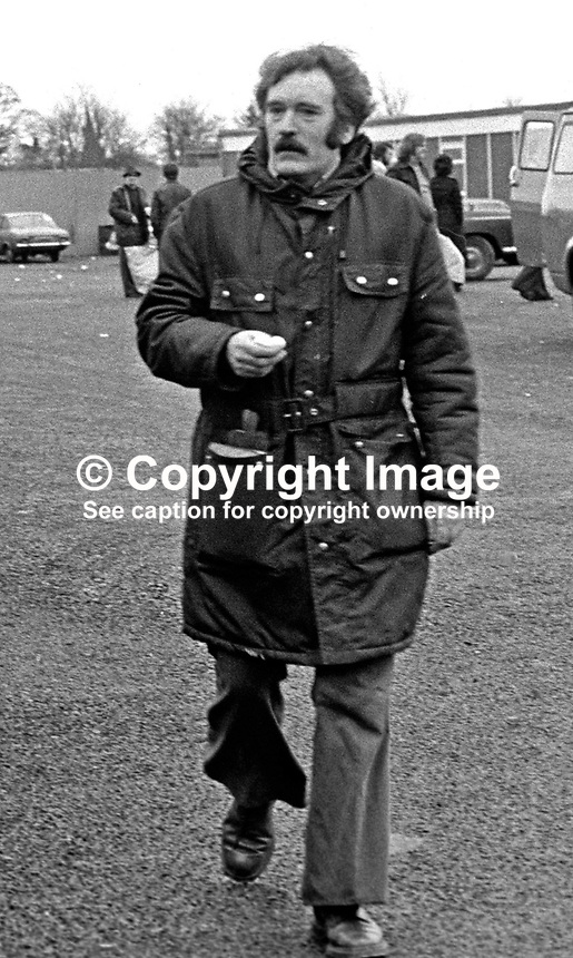 Richard Glenholmes, aka Dickie Glenholmes, Provisional Sinn Fein, on his release from the Maze Prison, at the ending of Internment in N Ireland. 197512050755RG.<br />