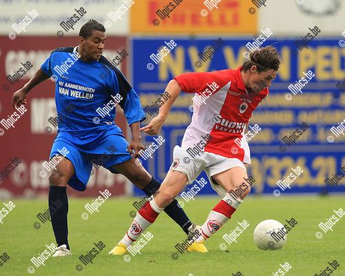 2010-07-31 / Voetbal / seizoen 2010-2011 / R. Kapellen FC / Bouyfoulkitne (L, Kapellen) met Bart Van Zundert..Foto: mpics
