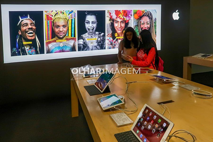 Loja Apple na Fnac da Paulista, Sao Paulo. 2018. Foto de Juca Martins.