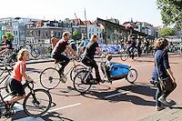 Nederland Leiden 2016 06 24 . Fietsers in het centrum van Leiden.   Foto Berlinda van Dam /  Hollandse Hoogte