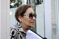 SAO PAULO SP, 06 MARCO 2013 - MORTE CANTOR CHORAO -  A apresentadora Sônia Abrão e vista saindo do predio onde seu primo, o cantor Chorão, foi encontrado morto nesta madrugada,em Pinheiros, na zona oeste de São Paulo(FOTO: ADRIANO LIMA / BRAZIL PHOTO PRESS).