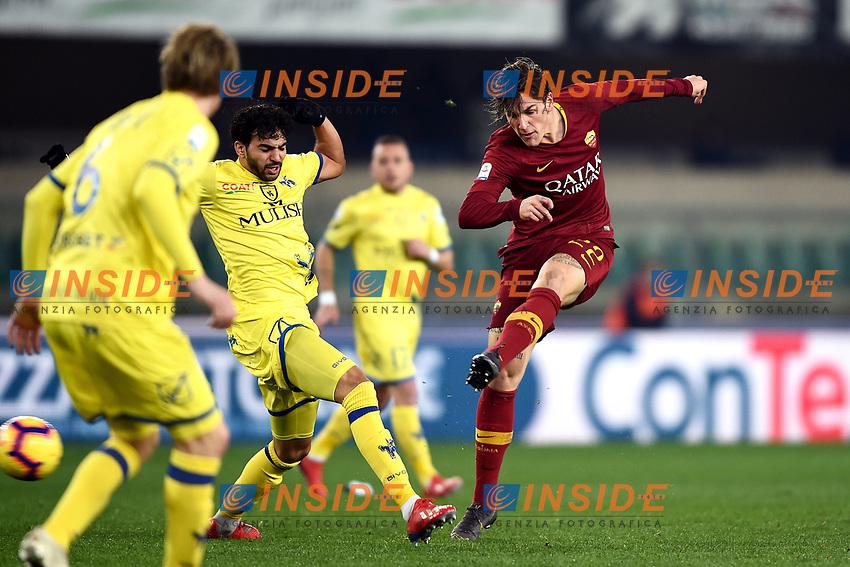 Nicolo Zaniolo of AS Roma , Mehdi Leris of AC Chievo Verona <br /> Verona 8-2-2019 Stadio Bentegodi Football Serie A 2018/2019 Chievo Verona - AS Roma <br /> Foto Image Sport / Insidefoto