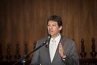 SAO PAULO, SP, 22.08.2014 - ASSINATURA DE CONTRATO - PPP MONOTRILHO LINHA 18. O prefeito Fernando Haddad durante cerimonia de assinatura do contrato de concessão da linha 18 - Bronze que ligará a capital paulista as cidades do ABC Paulista. (Foto: Adriana Spaca/Brazil Photo Press)