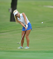 NWA Democrat-Gazette/MICHAEL WOODS &bull; @NWAMICHAELW<br /> Har-ber golfer Joanna Keck chips onto the greenTuesday August 4, 2015 during the golf tournament at the Springdale Country club.