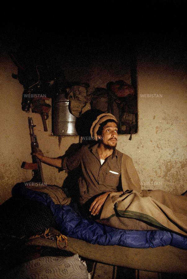 Afghanistan, Panjshir Valley, May 1985.<br /> Commander Massoud in one of his hiding place of staying. <br /> He got used to change his place very often for security purpose.<br /> <br /> Afghanistan. Vall&eacute;e du Panjshir. Mai 1985.<br /> Le commandant Massoud dans l'une de ses caches. En tant que chef de guerre, et pour des questions de s&eacute;curit&eacute;, il avait pour habitude de ne jamais dormir deux nuits cons&eacute;cutives au m&ecirc;me endroit.