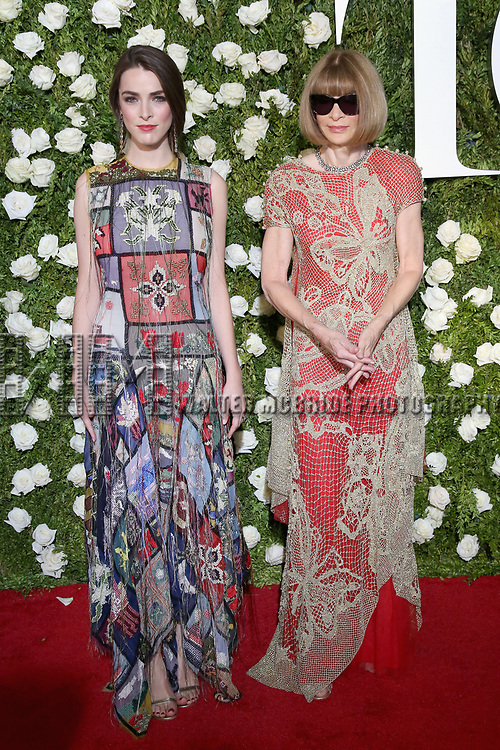 NEW YORK, NY - JUNE 11:  Bee Shaffer and Anna Wintour attend the 71st Annual Tony Awards at Radio City Music Hall on June 11, 2017 in New York City.  (Photo by Walter McBride/WireImage)