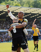 Tom Varndell of London Wasps congratulates Joe Simpson of London Wasps after he scored a try during the first leg of the European Rugby Champions Cup play-off match between London Wasps and Stade Francais at Adams Park on Sunday 18th May 2014 (Photo by Rob Munro)