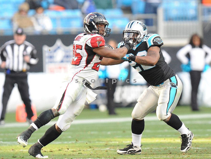 WILLIAM MOORE, of the Atlanta Falcons in action durIng the Falcons game against the Carolina Panthers at Bank of America Stadium in Charlotte, N.C. on December 12, 2010...Falcons beat the Panthers 31-10