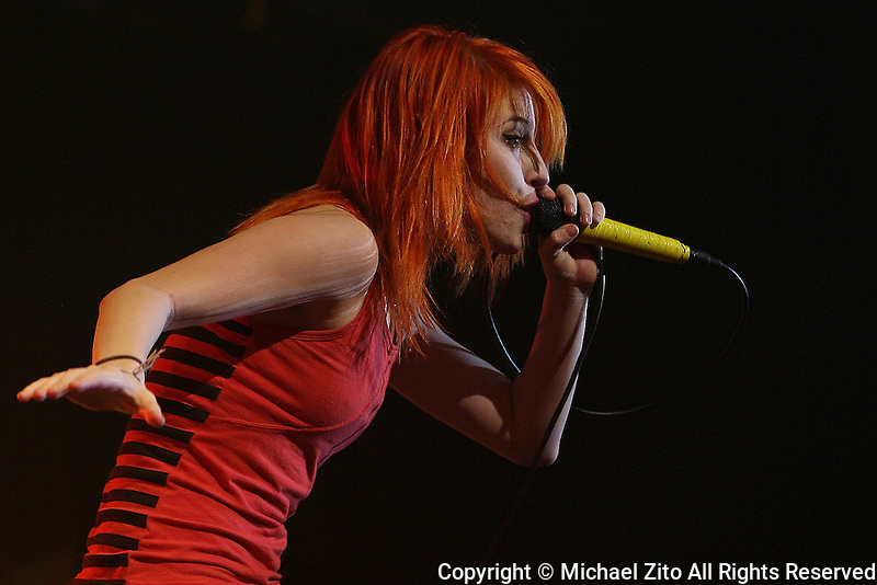 07/28/09 Universal City, CA: Paramore performs at the Gibson Amptitheatre