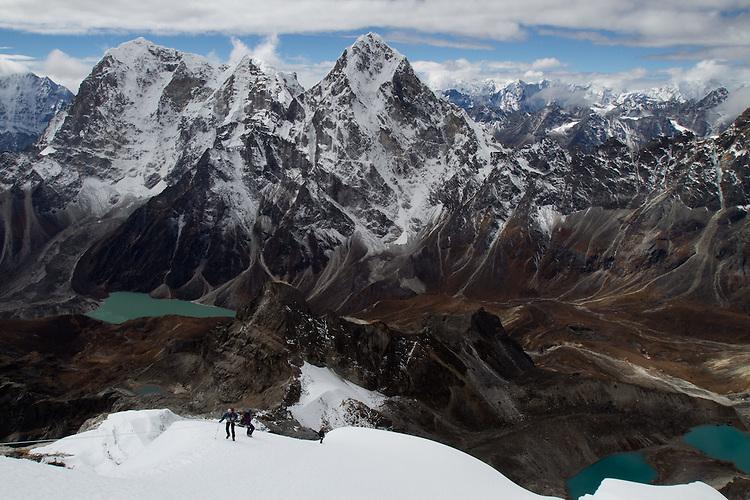 Erik Weihenmayer minutes below the summit of Lobuche. Photo by Didrik Johnck.