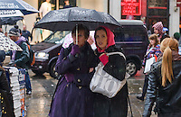 A Rainy April Day on Londons Oxford St (2012)