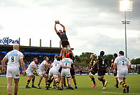 Nick Isekwe of Saracens wins the ball at a lineout. Aviva Premiership match, between Saracens and Wasps on October 8, 2017 at Allianz Park in London, England. Photo by: Patrick Khachfe / JMP