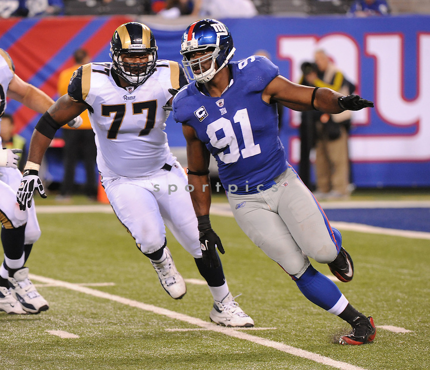 JUSTIN TUCK, of the New York Giants, in action during the Giants game against the St. Louis Rams on September 19, 2011 at MetLife Stadium in East Rutherford, NJ. The Giants beat the Rams 28-16.