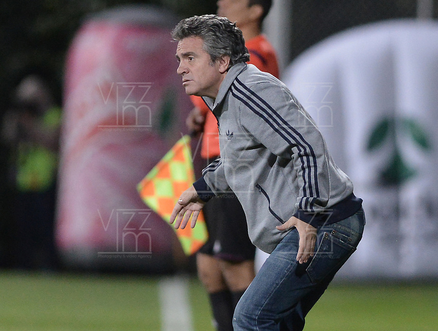 BOGOTÁ -COLOMBIA, 26-07-2014. Juan Manuel Lillo técnico de Millonarios gesticula durante partido contra La Equidad por la fecha 2 de la Liga Postobón II 2014 jugado en el estadio de Techo de la ciudad de Bogotá./ Millonarios coach Juan Manuel Lillo gestures during match against La Equidad for the second date of the Postobon League II 2014 played at Metropolitano de Techo stadium in Bogotá city. Photo: VizzorImage/ Gabriel Aponte / Staff