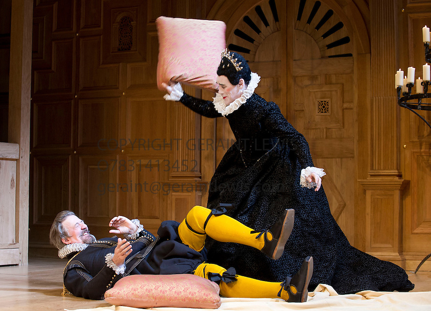 homosexuality in twelfth night In shakespeare's play 'the twelfth night' the concept of homosexuality as is love in general is widely covered and the aspects of the same detailed (draper, nd) it occurs therefore that homosexuality is a practice that has been practiced for a long enough time and should not shock anyone.