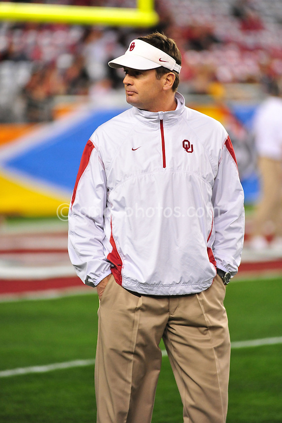 Jan 1, 2011; Glendale, AZ, USA; Oklahoma Sooners head coach Bob Stoops prior to the 2011 Fiesta Bowl between the Connecticut Huskies at University of Phoenix Stadium.  The Sooners won the game 48-20.
