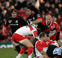 Watford, GREAT BRITAIN, Saracens, Cencus JOHNSTONE, crashing through the Baarritz defence, during the Pool 4 Rd 5  Heineken Cup game Saracens vs Biarittz at Vicarage Road, Hert's  12/01/2008  [Photo, Peter Spurrier/Intersport-images]