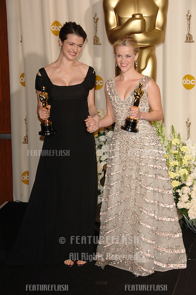 REESE WITHERSPOON (right) & RACHEL WEISZ at the 78th Annual Academy Awards at the Kodak Theatre in Hollywood..March 5, 2006  Los Angeles, CA.© 2006 Paul Smith / Featureflash