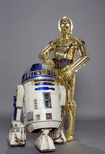 R2-D2 & C-3PO.in Star Wars: Episode III Revenge of the Sith.Filmstill - Editorial Use Only.CAP/AWFF.www.capitalpictures.com.sales@capitalpictures.com.Supplied By Capital Pictures.