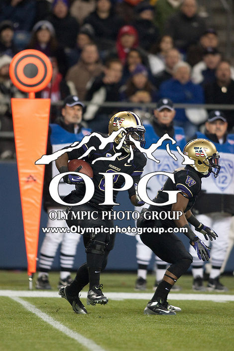 NOV 10, 2012:  Washington's Kevin Smith against Utah.  Washington defeated Utah  34-15 at CenturyLink Field in Seattle, WA...