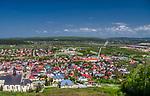 Chęciny pod Kielcami. 01.05.2019. Widok na miasto z zamku.