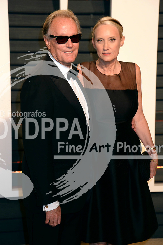 Peter Fonda and Parky Fonda attend the 2017 Vanity Fair Oscar Party hosted by Graydon Carter at Wallis Annenberg Center for the Performing Arts on February 26, 2017 in Beverly Hills, California.