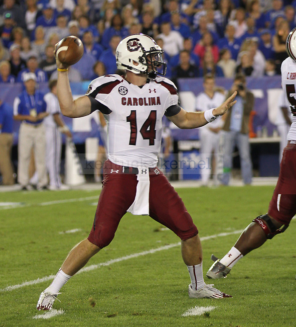 University of South Carolina junior quarterback, Connor Shaw, sets up his pass play in Lexington, Ky., on Saturday, September, 29, 2012. Photo by James Holt | Staff
