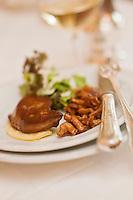 Europe/France/Rhone-Alpes/07/Ardéche/Lamastre:  Salade tiède de foie gras de canard poêlé aux champignons des bois, recette de Bernard  Perrier -  Hôtel du Midi/Barattéro