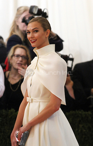 05 02 2016:  Karlie Kloss  at Manus X Machina: Fashion In An Age of Technology at Metropolitan Museum of Art in New York. Credit:RWMediaPunch