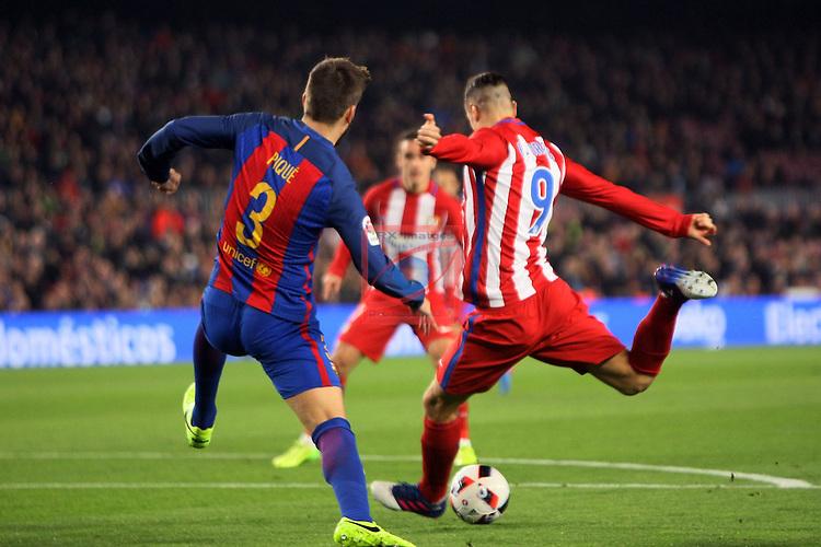 Copa del Rey 2016/2017 - Semifinal vuelta.<br /> FC Barcelona vs Atletico Madrid: 1-1.<br /> Gerard Pique vs Fernando Torres.