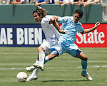 9 June 2007: El Salvador's Dennis Alas (left) battles for position with Guatemala's Jairo Arreola (27). The National Team of Guatemala defeated the National Team of El Salvador 1-0 at the Home Depot Center in Carson, California in a first round game in the CONCACAF Gold Cup.