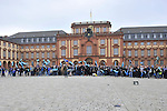 Die Fans des SV Waldhof Mannheim am Mannheimer Schloss vor dem Spiel Wormatia Worms - SV Waldhof Mannheim.<br /> <br /> Foto &copy; PIX-Sportfotos *** Foto ist honorarpflichtig! *** Auf Anfrage in hoeherer Qualitaet/Aufloesung. Belegexemplar erbeten. Veroeffentlichung ausschliesslich fuer journalistisch-publizistische Zwecke. For editorial use only.