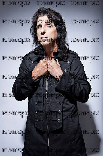 Alice Cooper - portraits in London UK - July 29, 2010.  Photo: © Ashley Maile/IconicPix  *PREMIUM COLLECTION* *HIGHER RATES APPLY*