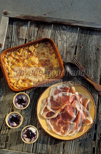 Europe/France/Rhône-Alpes/74/Haute-Savoie/La croix fry: La tartiflette